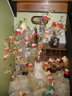 Arvore de Natal feita com galhos secos - Castorina