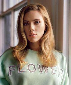 Scarlett Johansson a WSJ oldalain.FAVE! #fashionfave #WSJ #magazine #fashion #scarlettjohansson #actress #style #blonde #flower