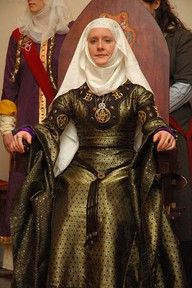 12th C gown