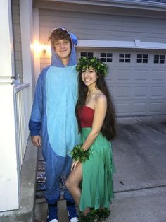 Fun DIY Halloween Costumes for Women – Lilo and Stitch Lilo und Stitch Halloween Kostüm Costume Lilo, Stitch Halloween Costume, Meme Costume, Lilo And Stitch Costume, Costume Makeup, Stitch Costume Diy, Pocahontas Costume, Mermaid Costumes, Cute Couples Costumes