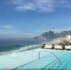 La piscine du Fasano Rio Brésil www.vogue.fr/...