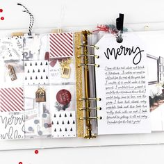 Project Life Scrapbook, Scrapbook Journal, Scrapbook Albums, Journal Cards, Christmas Scrapbook Layouts, Pocket Scrapbooking, December Daily, Christmas Journal, Christmas Mini Albums