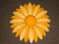 SALE Bright & Sunny Vintage Enamel Metal Daisy Pin by JUNQFUSION, $21.99