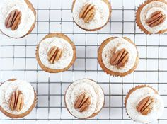 Delicious mini hummingbird cupcakes are so tiny, just like a hummingbird! These bite-sized treats are inspired by the hummingbird cake recipe in Southern Living.   @haleydwilliams