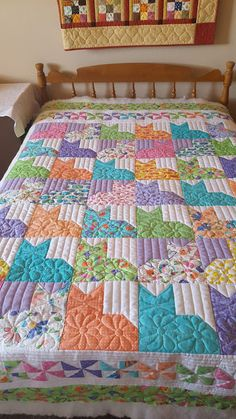 Colleen's Quilting Journey: Catalina's Catnap or Pins and Paws Quilt Dog Quilts, Animal Quilts, Scrappy Quilts, Barn Quilts, Colchas Quilting, Quilting Designs, Quilting Projects, Quilting Ideas, Cat Quilt Patterns