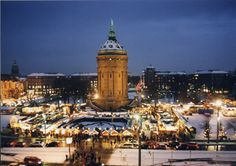 Weihnachtsmarkt Mannheim-- had to pin this view too. Beautiful!