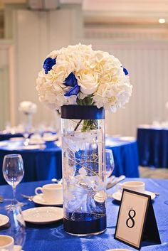 Love this idea - much shorter vase with a navy blue instead