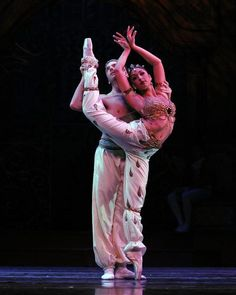 Roma and AJ in the Arabian Pas de Deux in Festival Ballet Theatre's Nutcracker by Dave Friedman