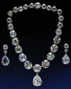 The Coronation Necklace 25 diamonds 11.25 carats EACH! pendant the 26th diamond 22.48 carats!