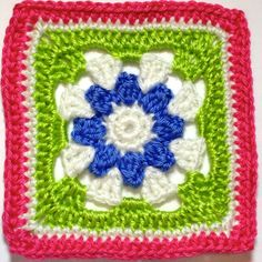 I AM...CRAFTY!: Hooked on Granny Squares (would make a cute child/baby blanket)