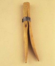 Shaker Clothespin, Artist unidentified Pleasant Hill, Kentucky c. 1900 Wood with metal band Primitive Furniture, Handmade Furniture, Close Pin, Clothespin Bag, Shaker Furniture, Pleasant Hill, Clotheslines, Vintage Laundry, Clothes Pegs