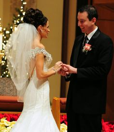 I like her veil as it doesn't take away from the stunning look of the dress or her amazing hairstyle