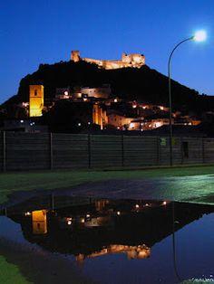 Castalla nocturna, des de la porta del Camp de Futbol.