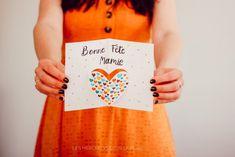Carte Petits Cœurs pour Mamie Fete des grands-meres carte activités manuelles Happy Name Day, Making Memories, In The Rain, Pretty Cards, Love Birds