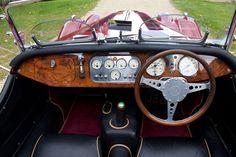 1992 Morgan Plus 8   Classic Driver Market