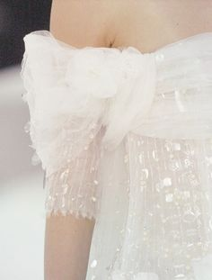wink-smile-pout:  Chanel Haute Couture Spring 2005