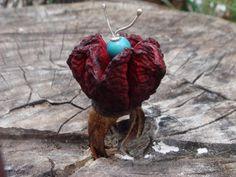 Anel em semente de açaí, coco e prata, feito artesanalmente por Angelsea Camargo R$60,00