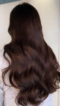 Chocolate Brunette Hair, Dark Chocolate Brown Hair, Rich Brunette Hair, Rich Brown Hair, Dark Hair, Cabello Color Chocolate, Brown Hair Balayage, Brown Hair Colors, Autumn Hair Colors