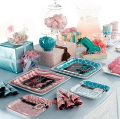 Safari Pink & Blue for a Gender Reveal Baby Shower Love the plates
