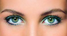 augen-make-up-idee-graue-augenfarbe-gruen-blau-lidschatten-unterlid-oberlid-mascara