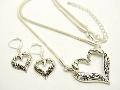 Heart- Shaped Jewelry for Valentin'es Day