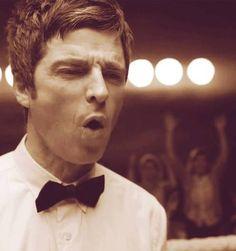 so adorable in his neat bow tie. Music Love, Good Music, My Music, Noel Gallagher, Oasis, Beautiful Men, Beautiful People, Britpop, Queen
