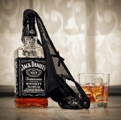 It doesn't have to be Thursday to be thirsty jackdaniels whiskey alcohol drinkdrankdrunk Whiskey Girl, Cigars And Whiskey, Whiskey Drinks, Scotch Whiskey, Bourbon Whiskey, Whiskey Bottle, Irish Whiskey, Cocktails Jack Daniels, Bebidas Jack Daniels
