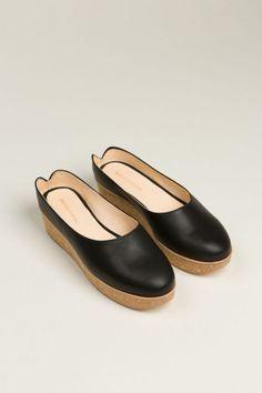 7ccf6d988402 VIANA CLOGS by reality studio Zapatos Shoes, Shoes Sandals, Sock Shoes, Shoe  Boots