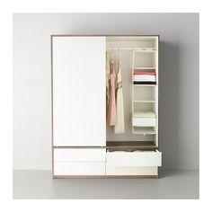 TRYSIL Guardaroba ante scorrev/4 cassetti IKEA Le ante scorrevoli sono una soluzione salvaspazio perché non occupano posto quando le apri. 199 euro 154 cm