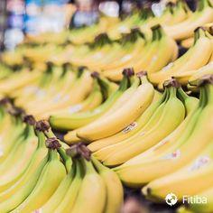 Wusstet Ihr, dass Bananen, wenn sie noch leicht grün sind, einen super Schlankstoff enthalten? Es handelt sich dabei um resistente Stärke (RS). Sie wandert unverdaut vom Dünndarm in den Dickdarm, hilft der Darmflora und bildet Säuren, die Fett aus den Zellen holen. Außerdem steigert resistente Stärke die Produktion von Satt-Hormonen. #Fitness #Food #PersonalTrainer