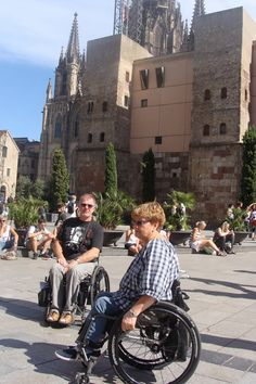 From Plaça Nova there are great views of the #Barcelona Cathedral and easy #wheelchair #access to the #Gothic area.