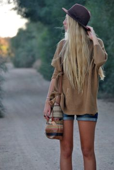 Jean shorts, oversized sweater = adorable casual.