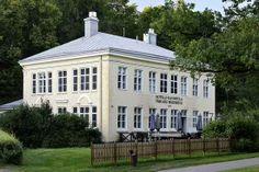 Hotel and restaurant Fiskars Wärdshus in Fiskars Village in Raseborg, Finland Creamy Carrot Soup, Good Neighbor, Helsinki, Where To Go, Beautiful Homes, Layout, Outdoor Structures, Mansions, House Styles