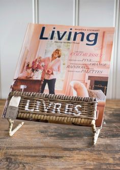 Rustic rattan livres stand Riviera Maison