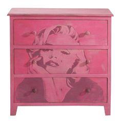 Kommode MARILYN.\nFür ein unwiderstehlich glamouröses Schlafzimmer trauen Sie sich zur pinkKommode Marilyn. Spezielle Lackiertechnik \n3 große Schubfächer.Hochwertige Materialien.Massivholz mit lackierter Oberfläche Grösse:80 cm x 80 cm x 35 cm.