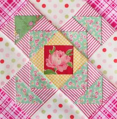happy flower qal - Pretty by Hand quilt block