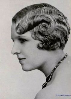 Hair Ideas For The Ladies.Tips for awesome looking hair. An individual's hair is undoubtedly what can easily define you as a person. To several individuals it is certainly important to have a good hair style. 40s Hairstyles, Vintage Hairstyles, Braided Hairstyles, Updos Hairstyle, Simple Hairstyles, Homecoming Hairstyles, Style Hairstyle, Wedding Hairstyles, 1930s Hair