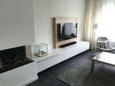 TV meubel met eiken achterwand (koof) om kabels weg te werken
