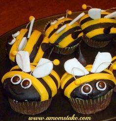 Cupcake Crafts Review - Adorable Bumblee Cupcakes