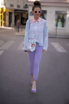 The best pastel outfit I've seen yet! lilac shoes,jeans, baby blue and pink.. I'm in love!