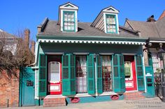 Don't you just love the unique paint schemes of French Quarter homes?