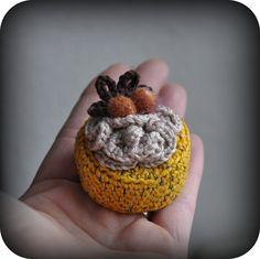 Grietjekarwietje patroontje hazelnoot mokka gebakje + links naar andere petit four patroontjes
