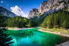 Photo Kryptonite Lake II par Roland Maria Reininger on Green Lake Austria, Cool Pictures, Cool Photos, Desktop Background Images, Canada, Seen, Nature Scenes, Alps, Amazing Photography