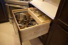 Many thanks to KabCo Kitchens for making Showplace look great and work hard in Florida! Beautiful Showplace maple Espresso design. Job well done!  Learn more about KabCo Kitchens: http://kabcokitchens.com/ Learn more about our style and convenience accessories to enhance your Showplace: http://www.showplacewood.com/ProdGuide1/PGaccs/accshome.html