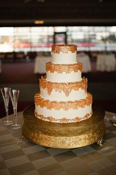 amazing gold #wedding #cake! | Spindle Photography