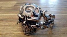 Skull bangle XL €40,00