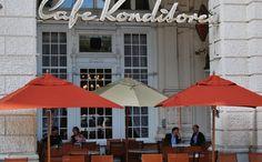 Tradewinds Holz Exklusiver Sonnenschirm aus Südafrika, hergestellt aus FSC Eukalyptusholz und Edelstahl. Er glänzt durch seine klassische Ausstrahlung auf Ihrer Terrasse.Tradewinds  Mehr Info's auf www.solero-sonnenschirme.at  Solero Sonnenschirme_Sonnenschirm_Sonnenschirme_Gartenschirm_Gartenschirme_Gastroschirm, Gastroschirme,Tradewinds holz_Windstabil_Schirmständer_ersatzbespannung Patio, Classic, Outdoor Decor, Home Decor, Stainless Steel, Timber Wood, Homemade Home Decor, Yard, Porch