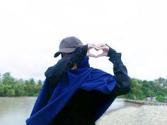 """OPEN PP di Instagram """"- Allah titipkan rasa untuk disimpan dan dijaga bukan diumbar... . . Namun pada waktu yang tepat harua diungkapkan pada seseorang yang…"""" Hijab Dp, Girl Hijab, Mode Hijab, Couple Photography Poses, Girl Photography, Islamic Images, Thing 1, Girls Dp, Niqab"""
