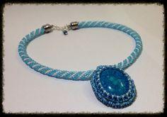 Beads crochet, háčkovaná dutinka obšívaný kabošon
