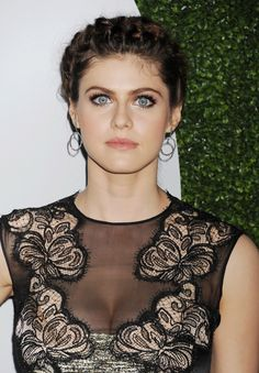 Actress Alexandra Daddario arrives at the 2014 GQ Men Of The Year. Beautiful Eyes, Beautiful People, Beautiful Friend, Gq, Alexandra Daddario Images, Most Beautiful Hollywood Actress, Just Girl Things, Hollywood Actresses, Celebrity Crush